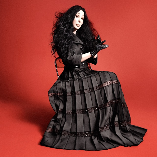 1432757107_cher-marc-jacobs-zoom